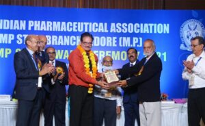 Awards for faculty by Indian Pharmaceutical Association